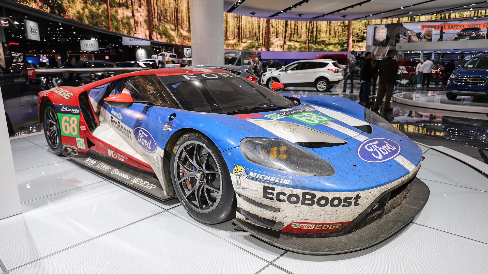 out all the race cars at the 2017 Detroit Auto Show