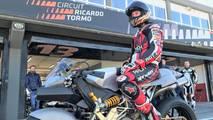 Keanu Reeves y Nico Terol en el Circuit Ricardo Tormo