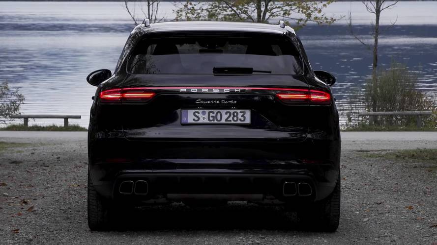 new porsche cayenne lengthy documentary gives you all the. Black Bedroom Furniture Sets. Home Design Ideas