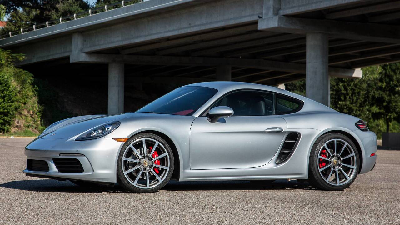 4. Porsche 718 Cayman S / Boxster S: 2.5L turbocharged H4, 350 hp, 309 lb-ft
