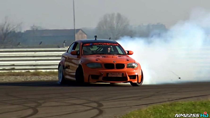 V10 motorlu BMW 1M lastikleri parçaladı