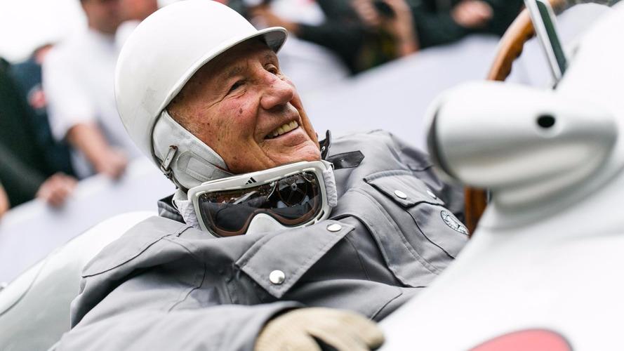 État stable pour Sir Stirling Moss, hospitalisé depuis un mois