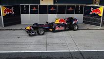 Mark Webber (AUS) Sebastian Vettel (GER) unveil RB6 during winter testing at Circuito De Jerez, 10.02.2010, Jerez de la Frontera, Spain