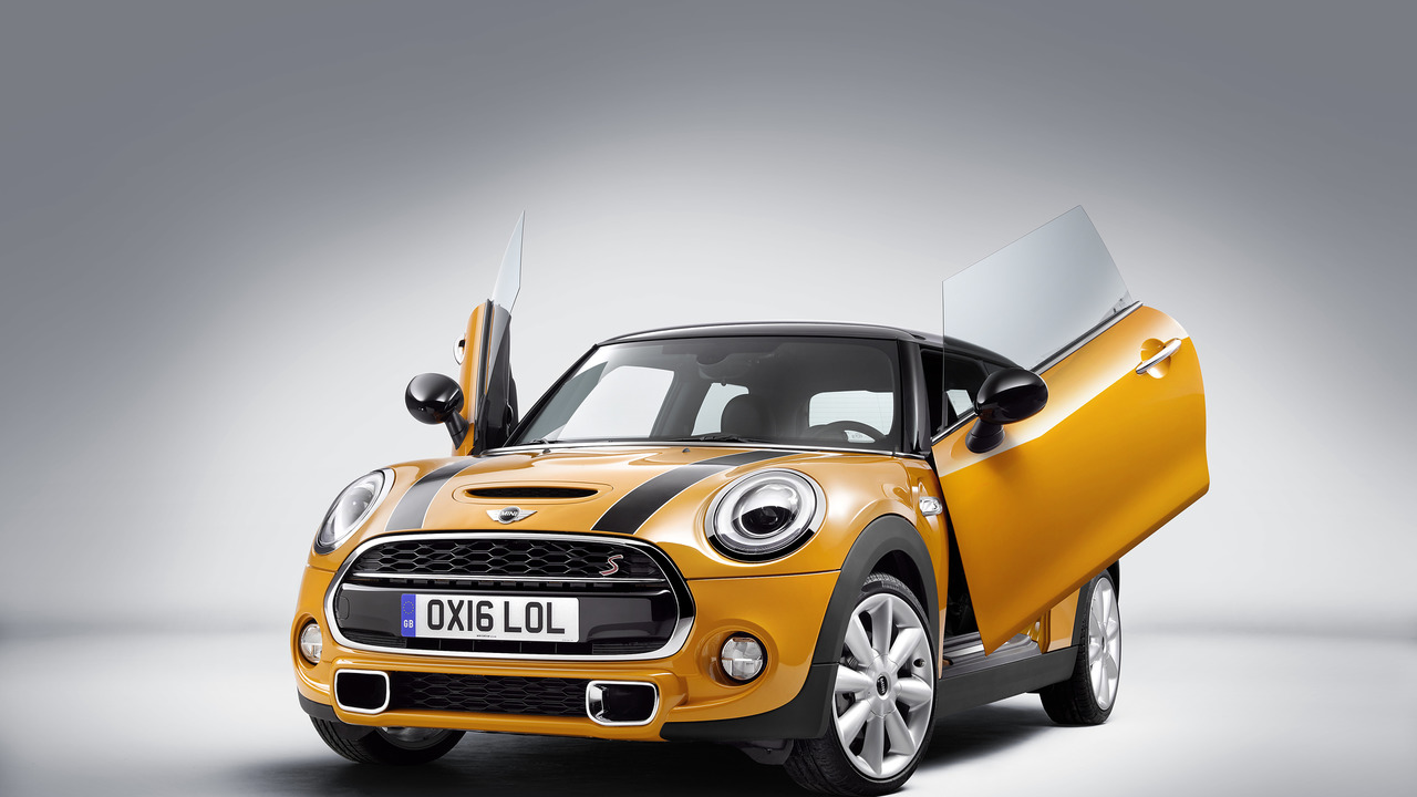 Mini with scissor doors