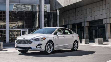 2019 Ford Fusion Gets Minor Facelift, More Standard Safety Tech