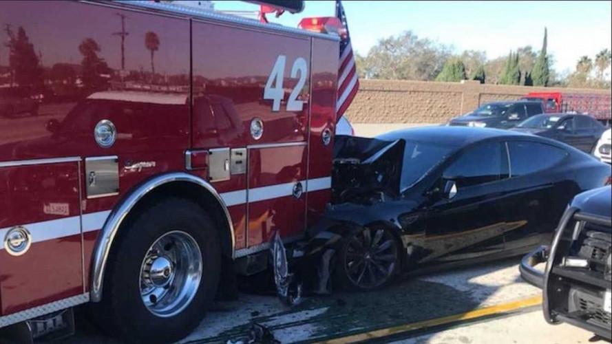 Tesla, nuovo incidente, per colpa del guidatore