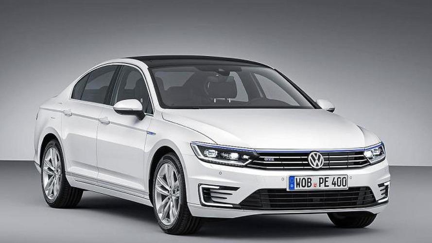 Volkswagen Passat GTE revealed ahead of Paris debut