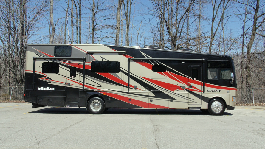 Thor Outlaw RV   Why Buy?