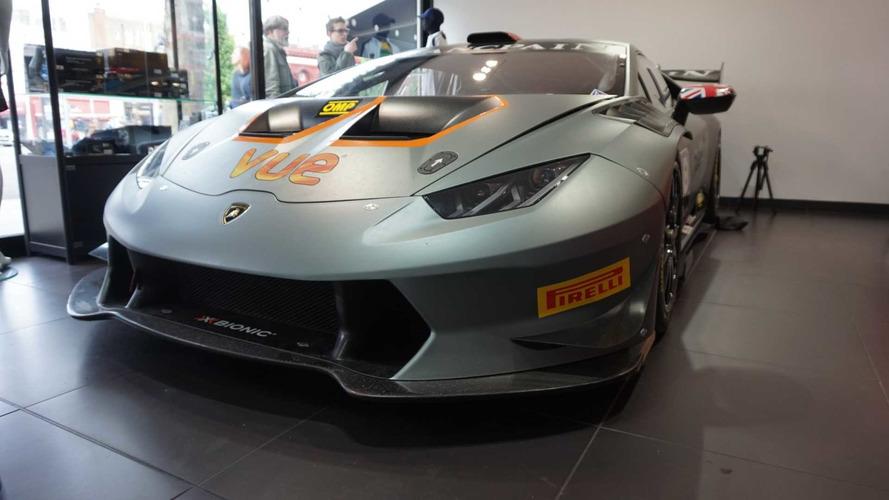 Lamborghini Huracan Super Trofeo lisanslı sahibini bekliyor