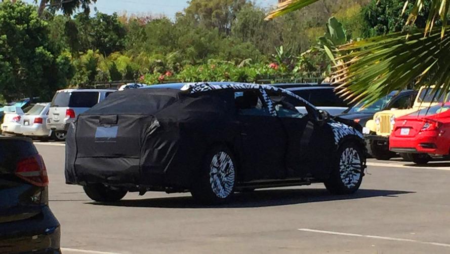 Faraday Future, Tesla Model X'e rakip versiyonunu test ediyor