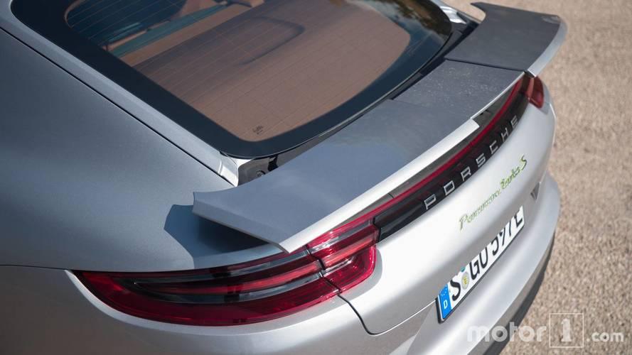 Vidéo - La Porsche Panamera aux mains de la légende Jacky Ickx