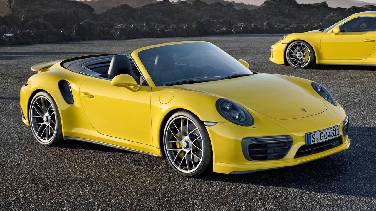 10. Porsche 911 Turbo S – 330 km/h