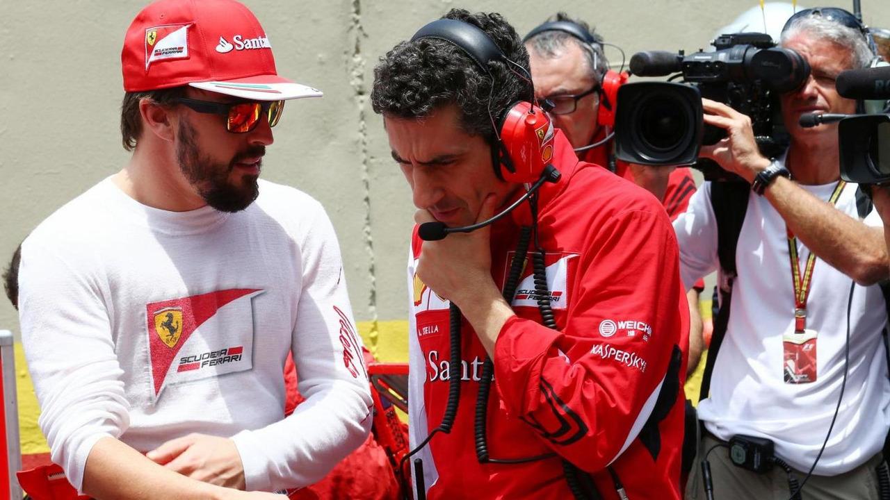 Fernando Alonso (ESP) with Andrea Stella (ITA) / XPB