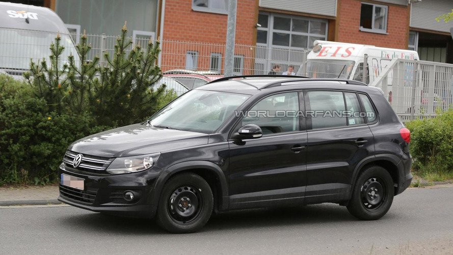 2015 / 2016 Volkswagen Tiguan mule spied for the first time