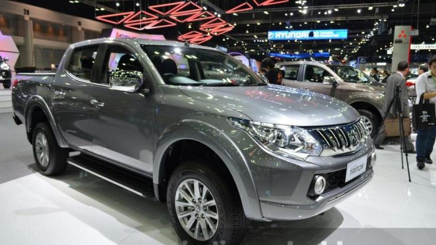 Mitsubishi Triton returns in live photos