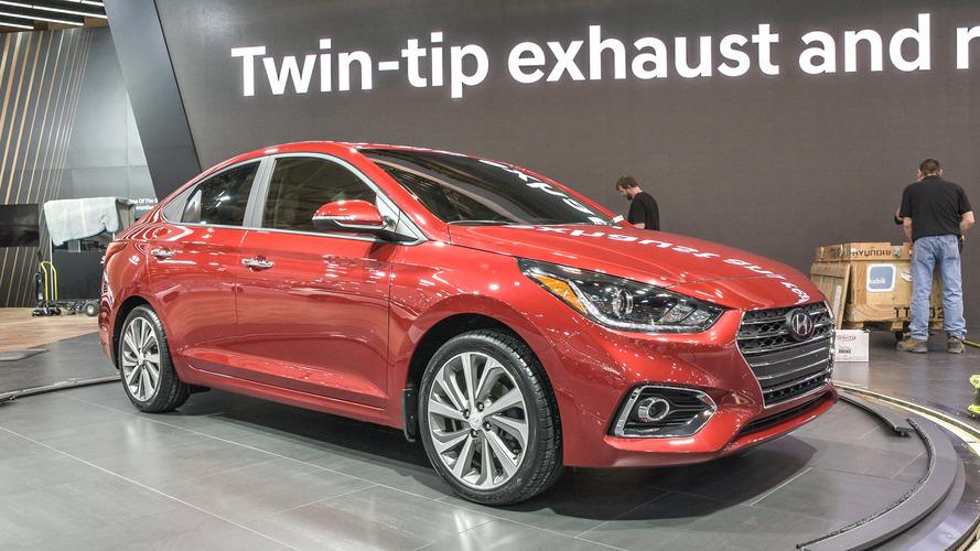 Yeni Hyundai Accent'in örtüleri Toronto'da kaldırıldı