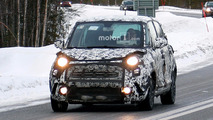 Fiat 500L Refresh Spy Photos