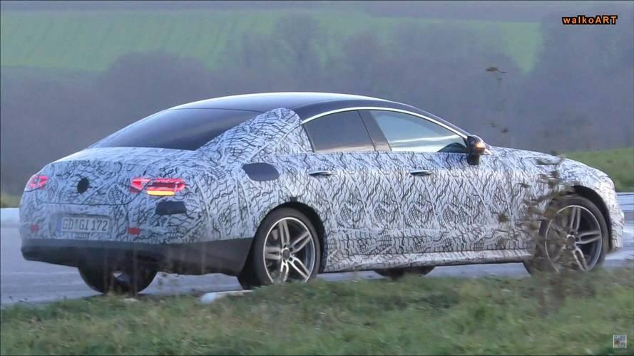 Yeni Mercedes-AMG CLS 53 yarı kamuflajlı olarak görüntülendi