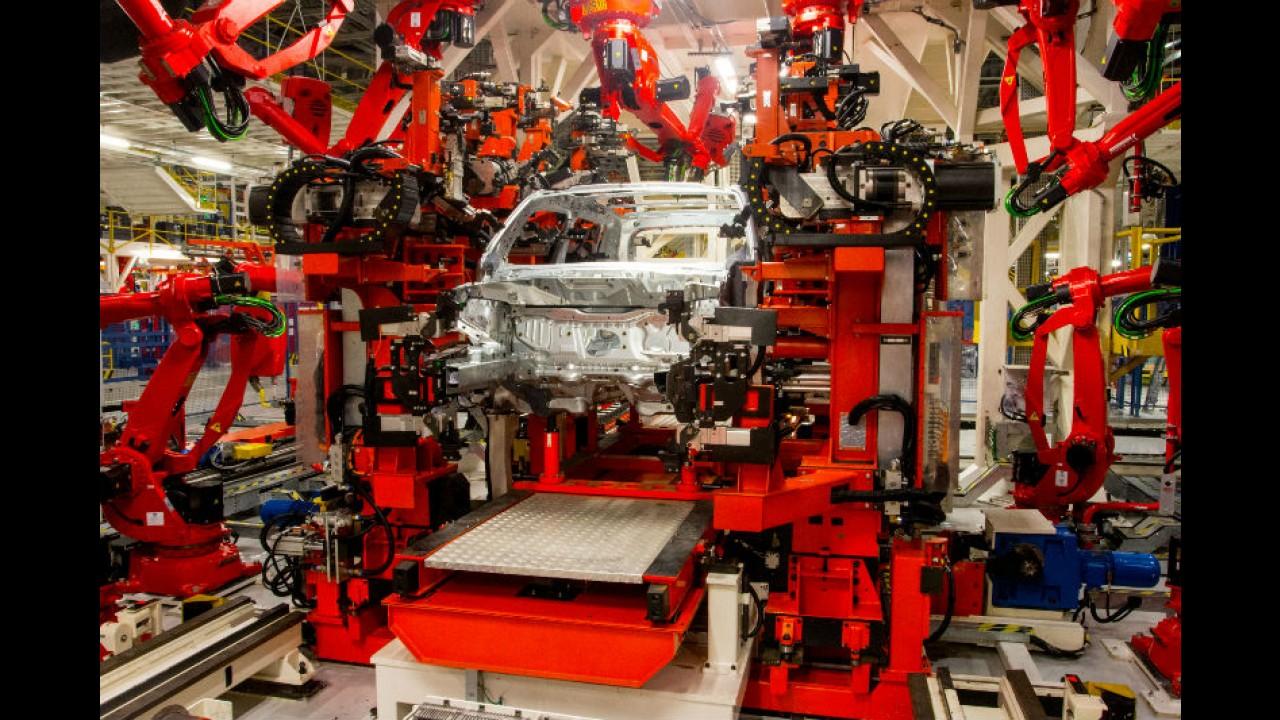 """Jeep inaugura fábrica em Goiana (PE) fazendo Renegade 70% """"nacional"""""""