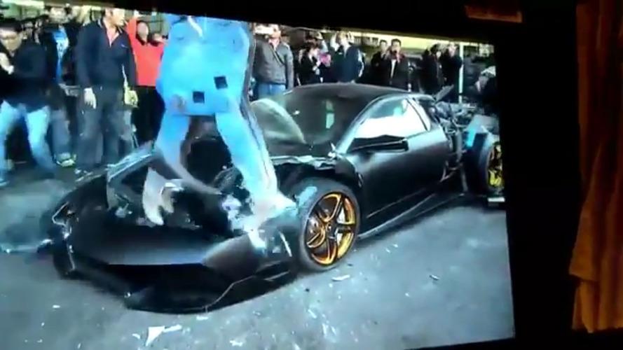 Lamborghini Murciélago destruído em Taiwan