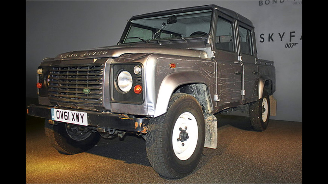 Land Rover Defender 007