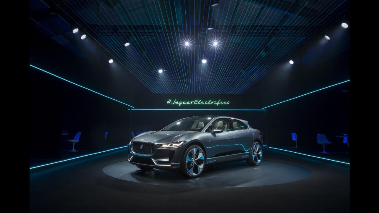 Jaguar I-Pace Concept al Salone di Los Angeles 2016 031