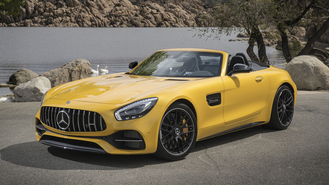 2018 mercedes amg gt roadster first drive photos. Black Bedroom Furniture Sets. Home Design Ideas