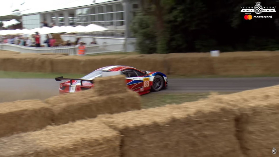 Ferrari 458 GT2'nin Goodwood macerası samanlarda sonlandı