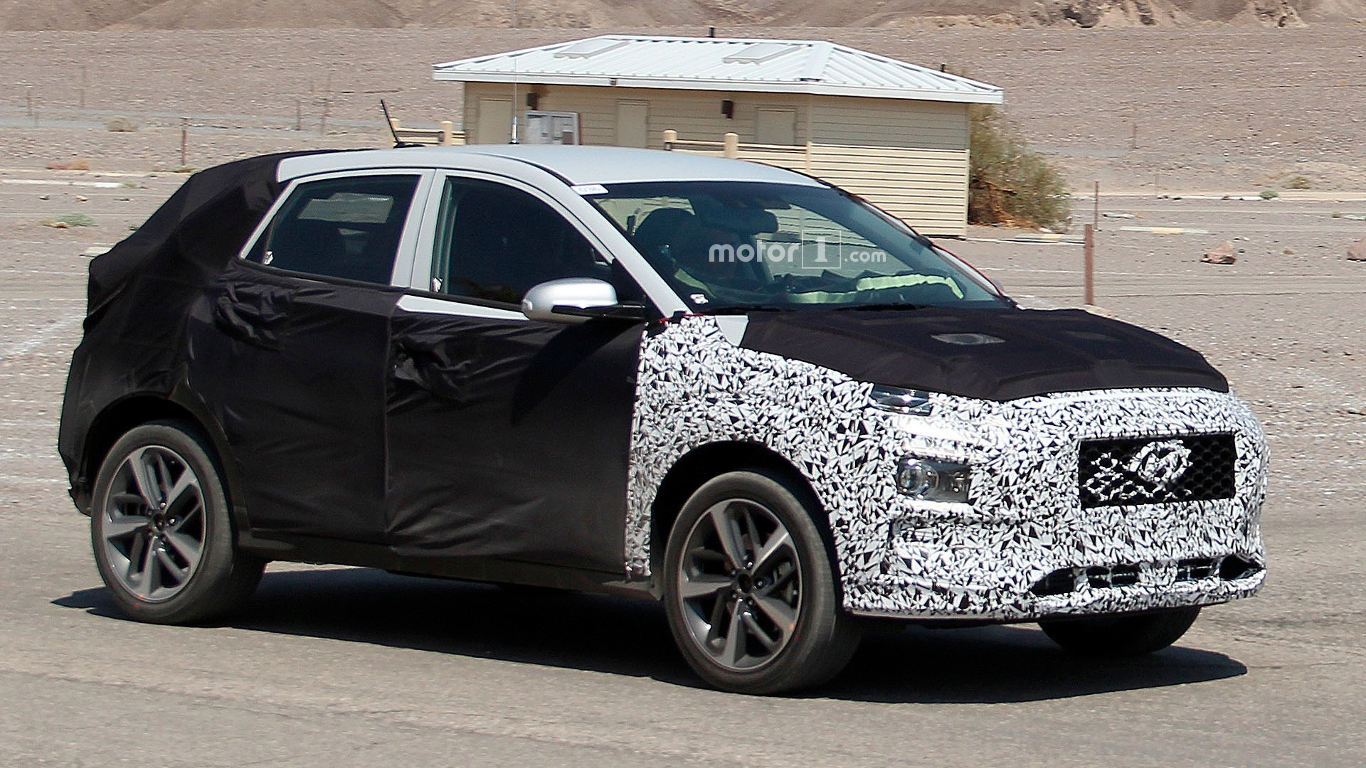 Hyundai Spy Shots >> Hyundai To Launch Two New Small Crossovers By 2018