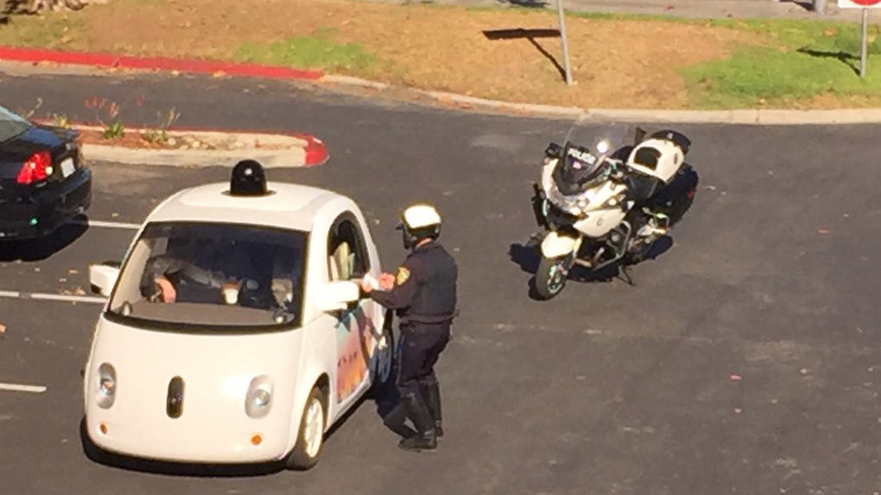 Google autonomous car and Mountain View PD police officer