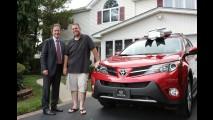 Vídeo: Toyota comemora 50 milhões de veículos vendidos nos EUA