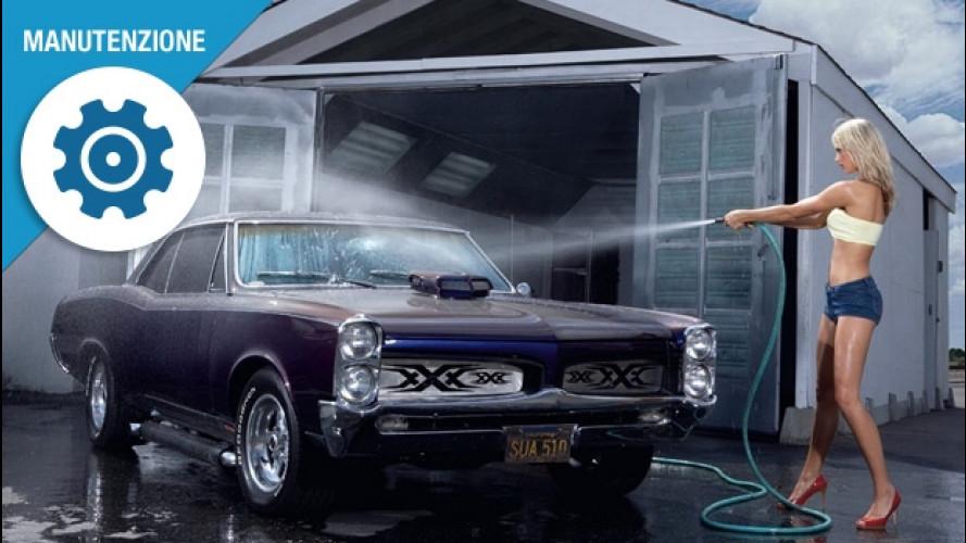 Lavare l'auto, tre trucchi per la carrozzeria perfetta