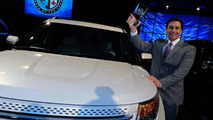 2011 Ford Explorer Wins North American Truck of the Year 10.01.2011