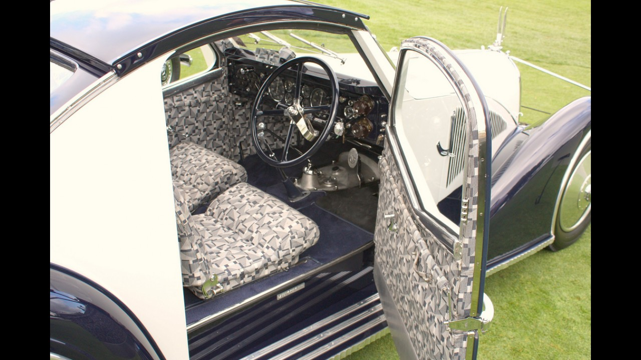 Studebaker Commander Sedan