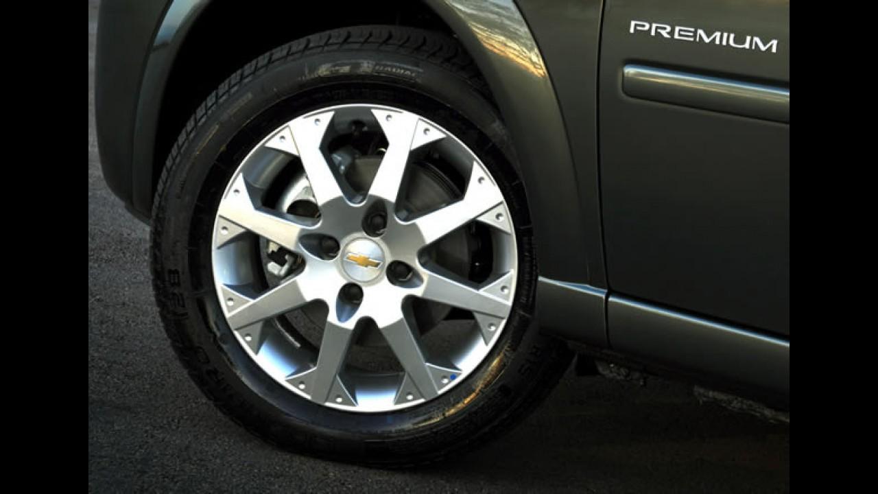 Chevrolet Meriva 2011 - Versão Premium ganha rodas esportivas e som integrado