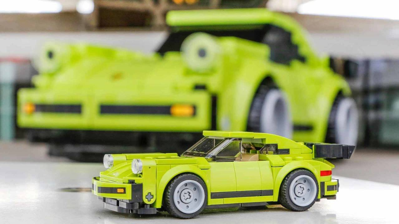 2019 Porsche 911 Turbo S >> Life-Sized Porsche 911 Turbo Lego photo