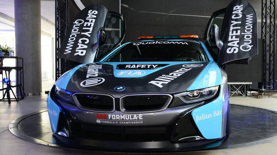 Az új Qualcomm BMW i8 Coupé Safety Car