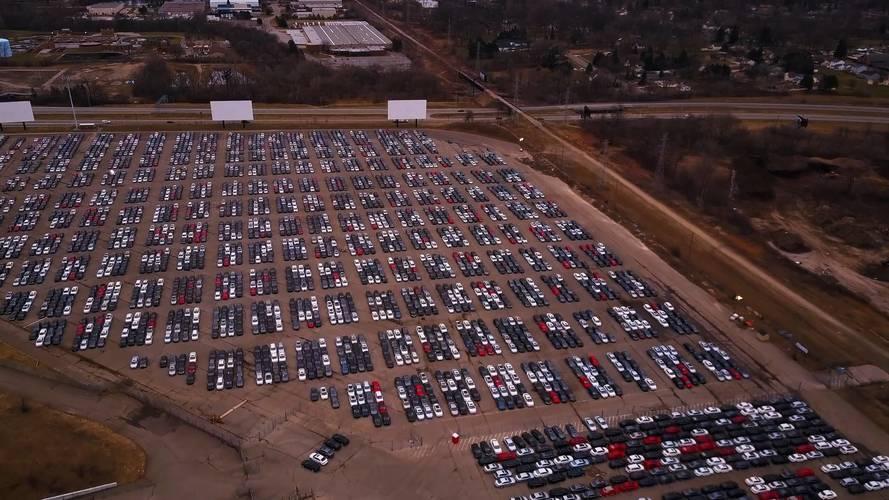37 telephelyen több mint 350 ezer visszavásárolt modellt tárol a Volkswagen
