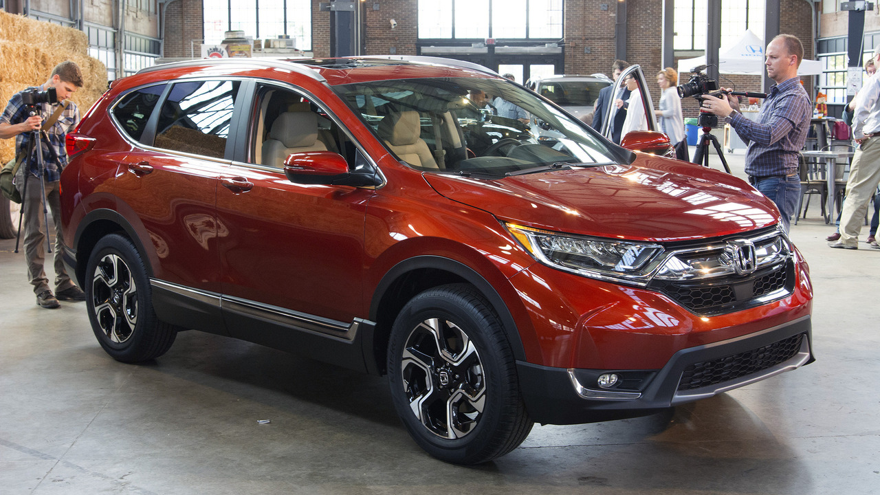 2017 honda cr v production gets rolling in ohio. Black Bedroom Furniture Sets. Home Design Ideas
