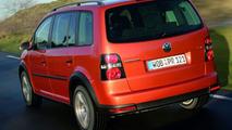 New VW CrossTouran
