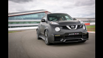 Nissan Juke-R 2.0, in pista col mostro da 600 CV [VIDEO]