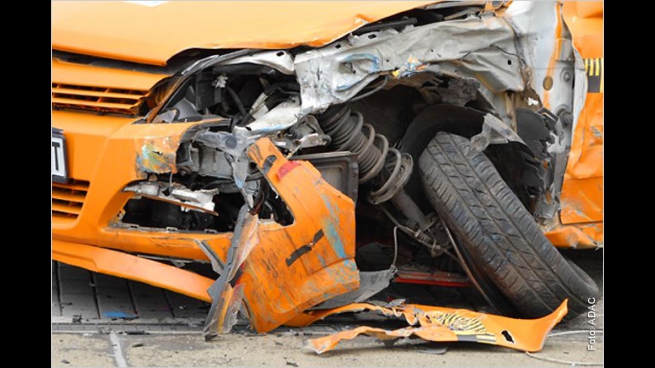 ,Die Mängel jetzt zu beheben ist völlig sinnlos. Das Auto ist für einen Crashversuch vorgesehen, braucht aber für den Crash einen gültigen TÜV