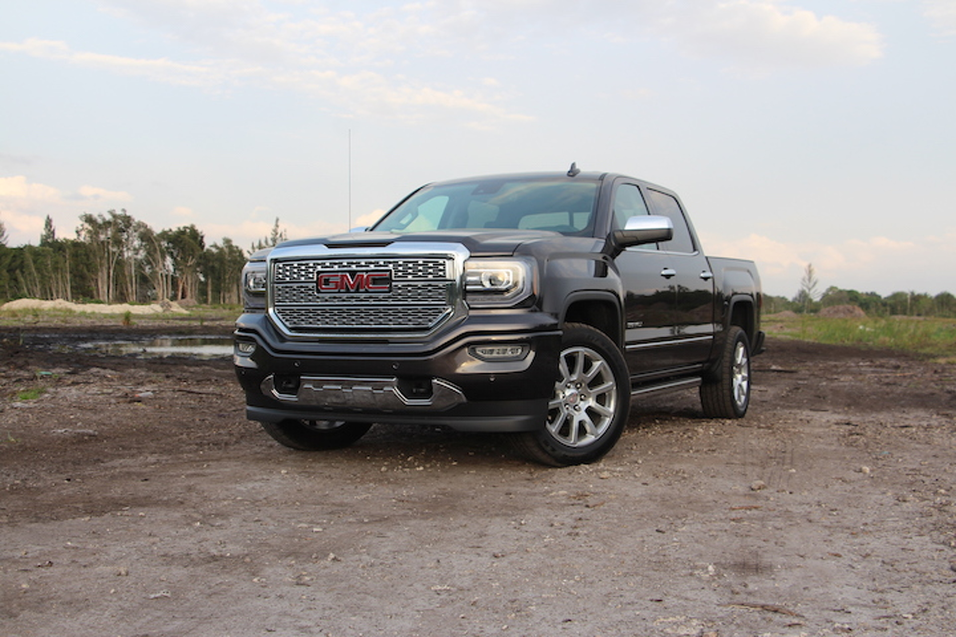 in chicago live these pics terrain ominous show is all x auto exterior gm authority pictures sierra pickup blog gmc