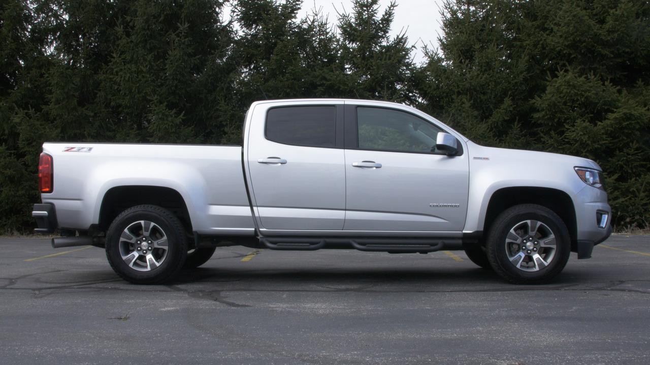 2016 Chevrolet Colorado Diesel | Why Buy Headliner