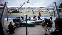 Pitstop Lewis Hamilton, Mercedes AMG F1 W07 Hybrid