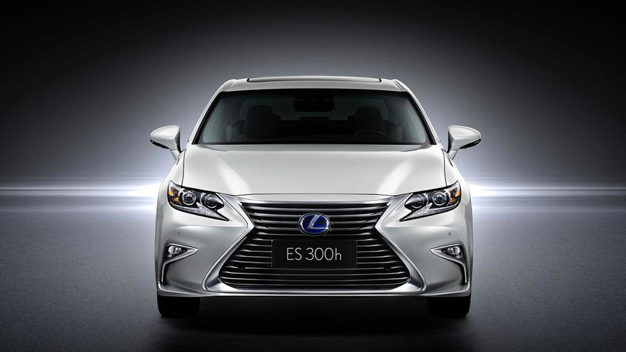 Lexus ES Revealed Before Beijing Debut