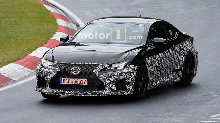 Photos espion - La Lexus RC F bientôt restylée