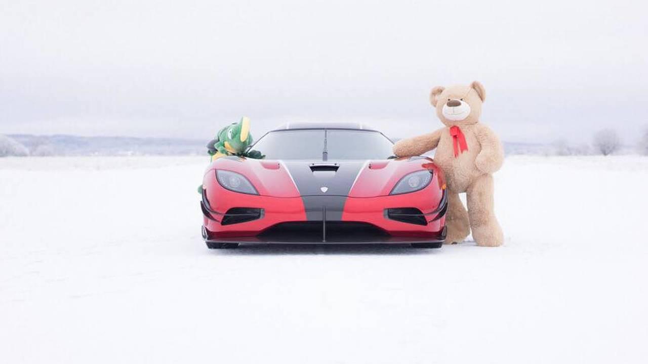 Koenigsegg karácsonyi üdvözlet