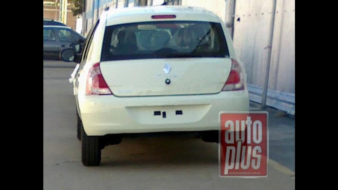 Novo Renault Clio 2013 é flagrado totalmente sem disfarces - Modelo estará no Salão do Automóvel
