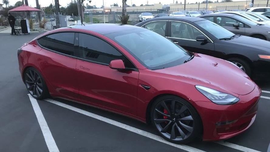 Musk Tweets Model 3 Lease, Performance Update, Red Interior In 2019